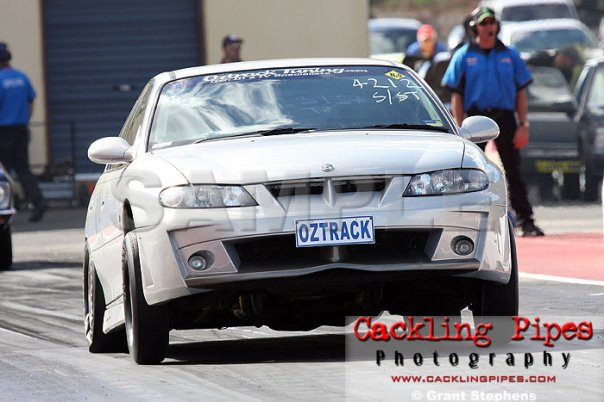 11s-commodore-hsv-drag-racing